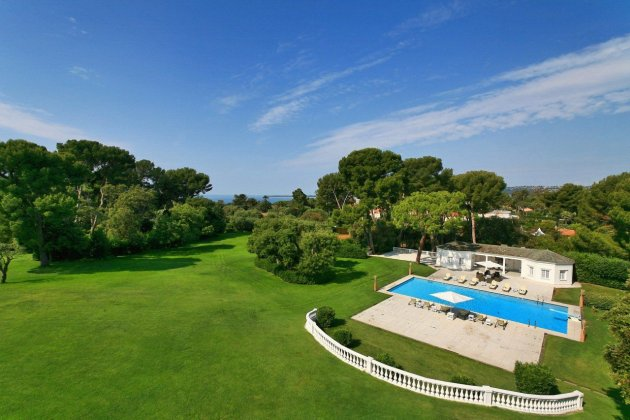 Photo n°148599 : luxury villa rental, France, ALPCAB 027