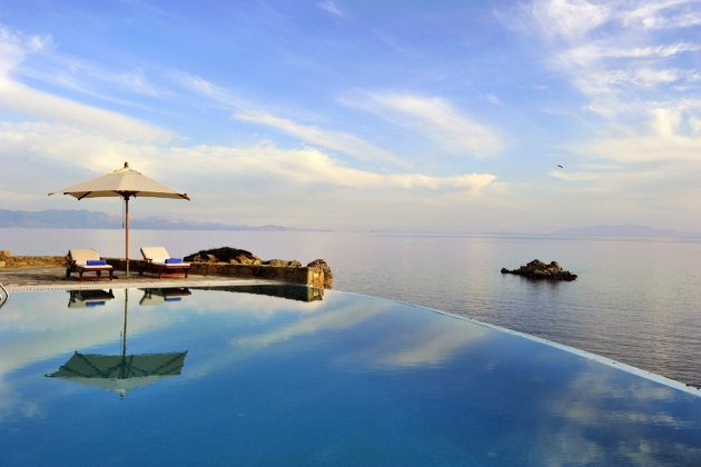 luxury villa rental, Greece, CYCMYK 1425