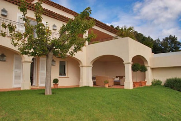 Photo n°17318 : location villa luxe, France, VARMAX 035