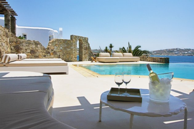 luxury villa rental, Greece, CYCMYK 1402