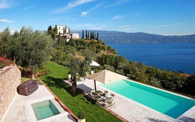 luxury villa rental, Italy, LACGAR 7017