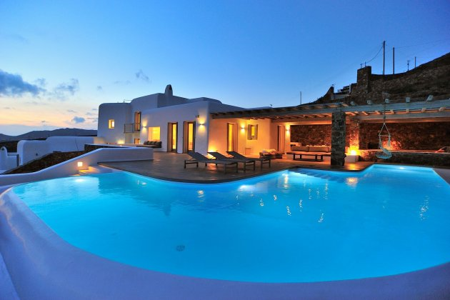luxury villa rental, Greece, CYCMYK 1472