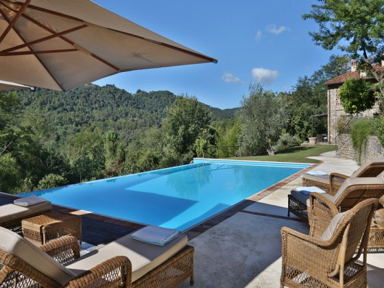 luxury villa rental, Italy, TOSLUC 10101