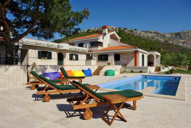 luxury villa rental, Croatia, CROTRO 335