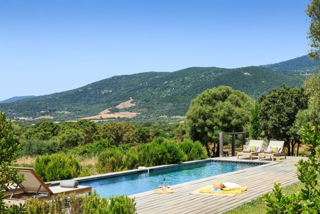 location villa luxe, France, CORVEC 8130