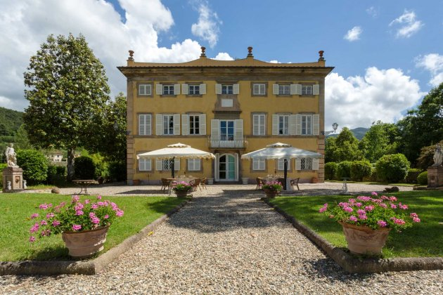 luxury villa rental, Italy, TOSLUC 3302