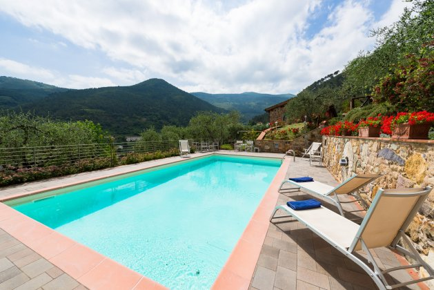 luxury villa rental, Italy, TOSLUC 3306