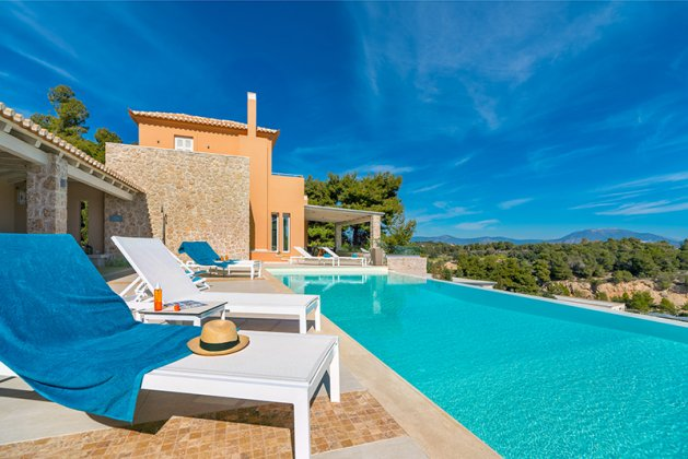 luxury villa rental, Greece, PELPOR 10026