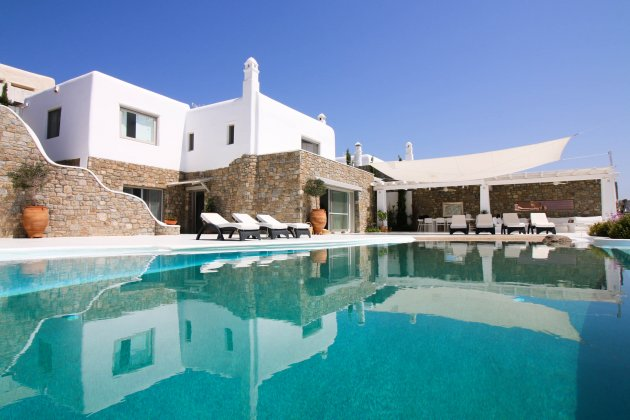 luxury villa rental, Greece, CYCMYK 4401