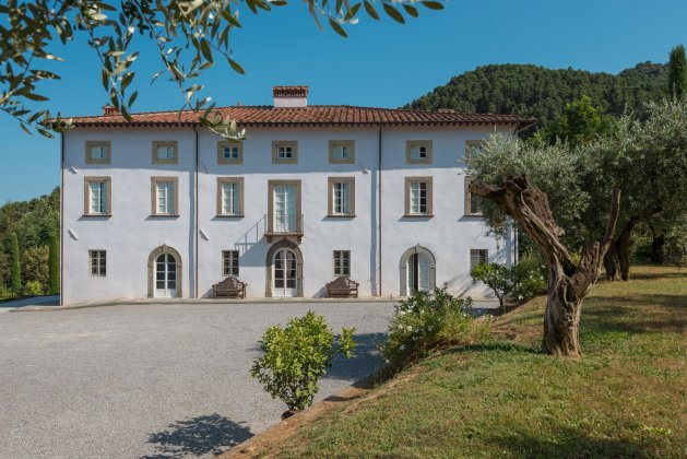 luxury villa rental, Italy, TOSLUC 3068