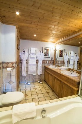 Photo n°95107 : luxury villa rental, France, CHACOU 004